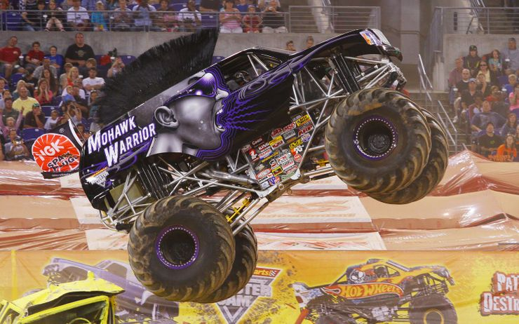 8 Pictures Of Monster Trucks That Make No Sense And 10 That Are Epic