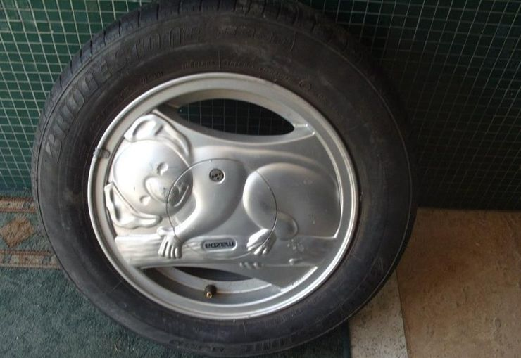 25 Pics Of Rims That Don't Belong On A Car (Or The Planet)