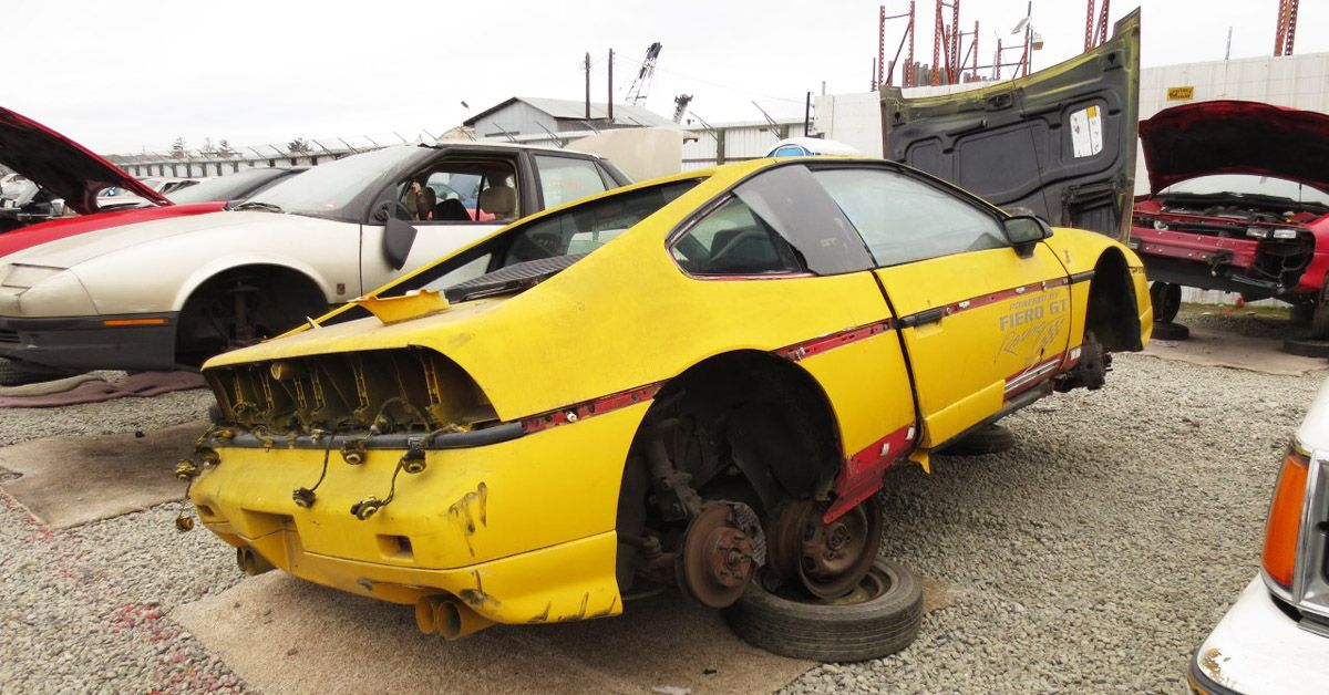 25 GM Cars That Feel Right At Home At The Junkyard | HotCars
