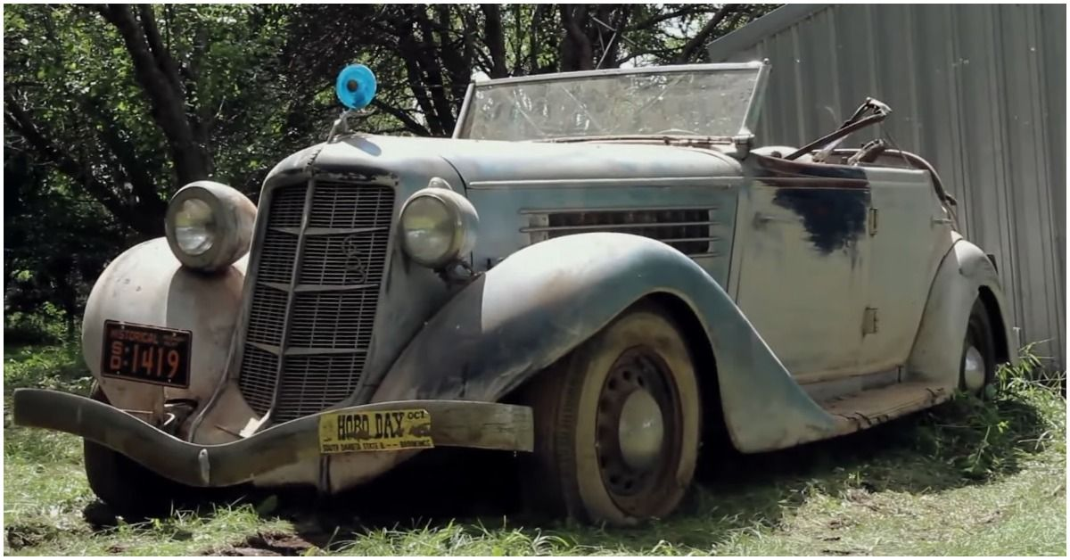 15 Vintage Cars The American Pickers Cast Discovered In Really Bad Shape
