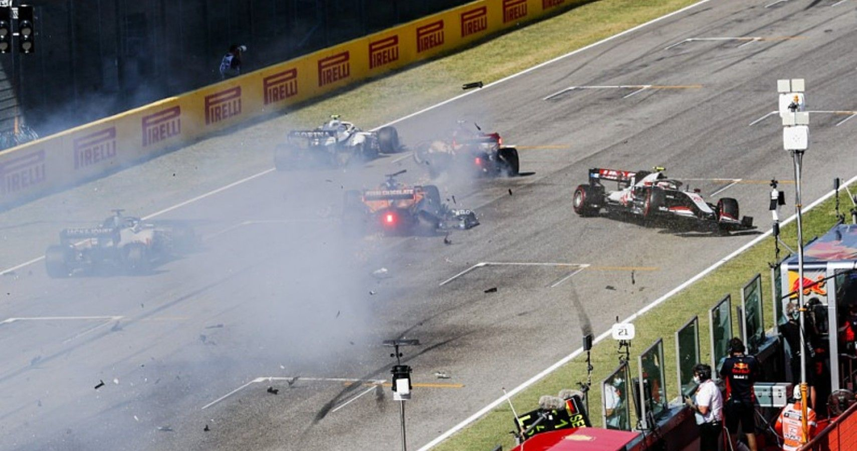 F1 Tuscan Grand Prix: Spectacular Crashes, Red Flags and Mercedes Domination