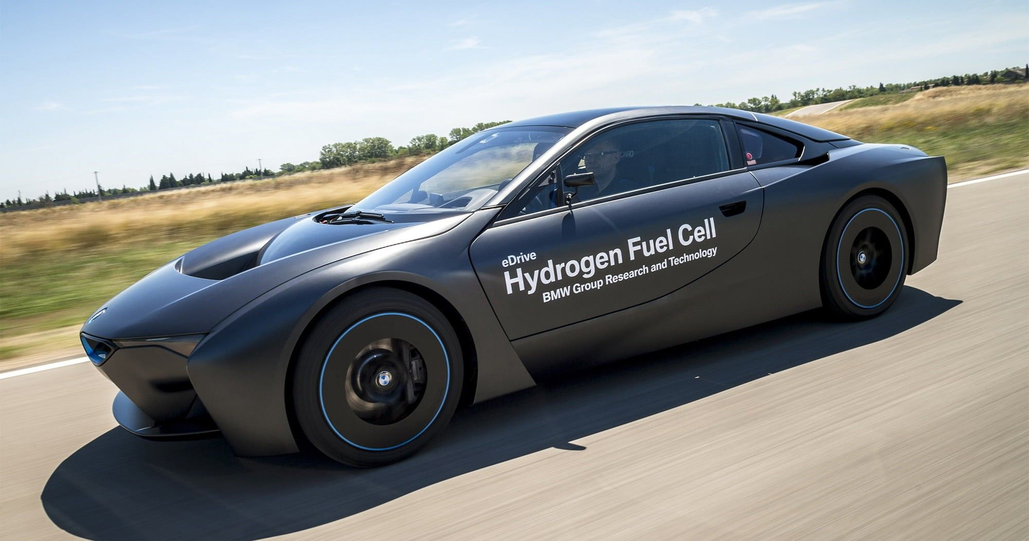 Here S Why There Aren T More Hydrogen Fueled Cars Hotcars