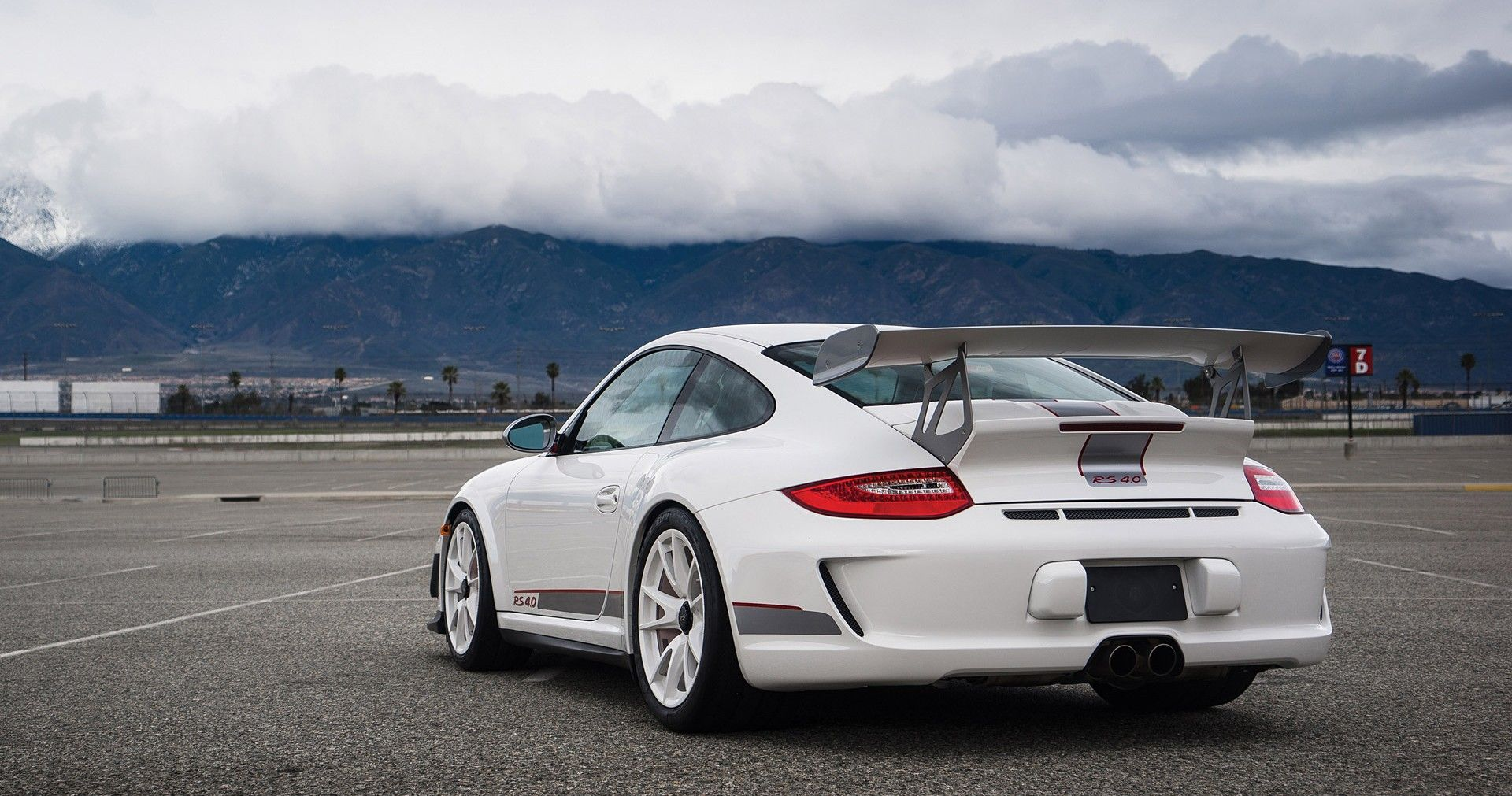 Here's Why The Porsche 911 GT3 RS 4.0 Is Shooting Up In Value