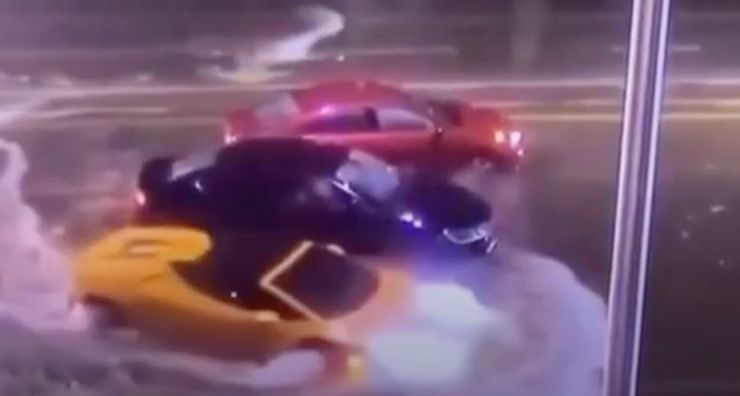 Watch A Lamborghini Huracan Accelerate Head-On Into Florida Floodwaters