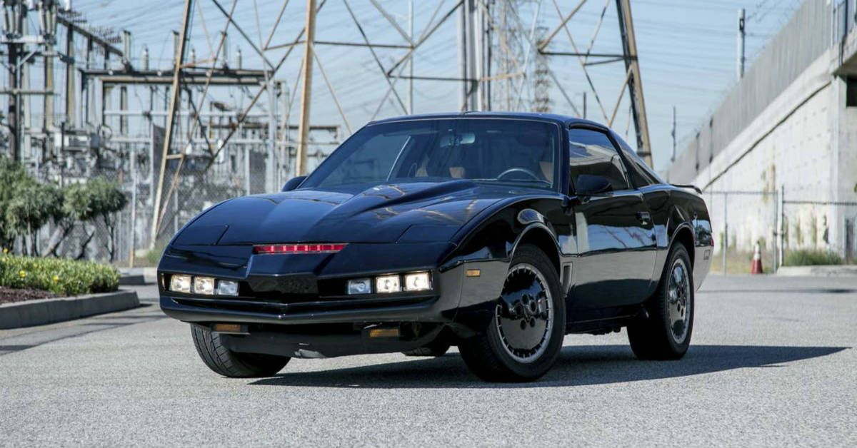 Knight Rider: Every Cool Feature Inside KITT | HotCars