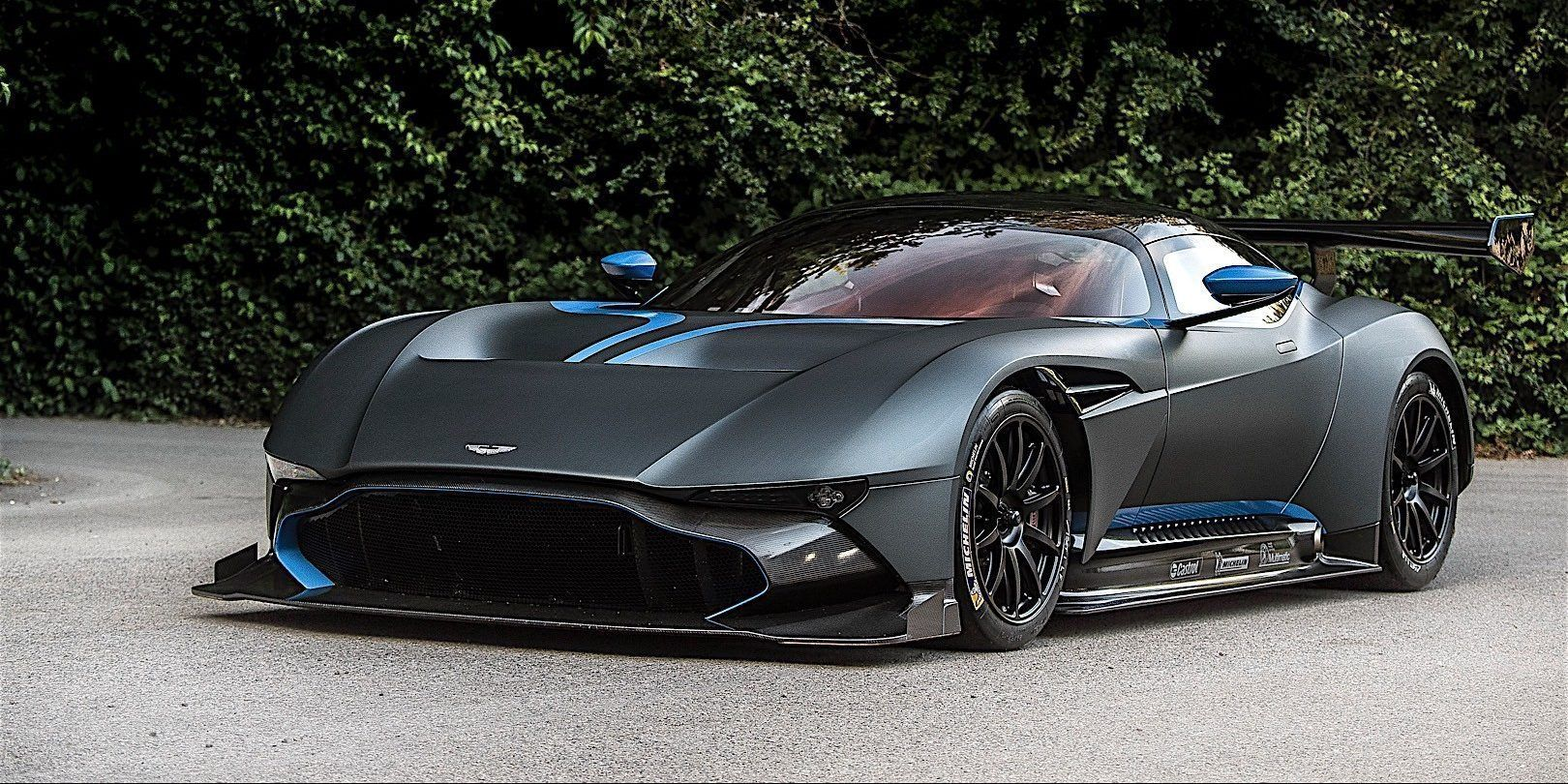 The Coolest Features Inside The Aston Martin Vulcan Hotcars