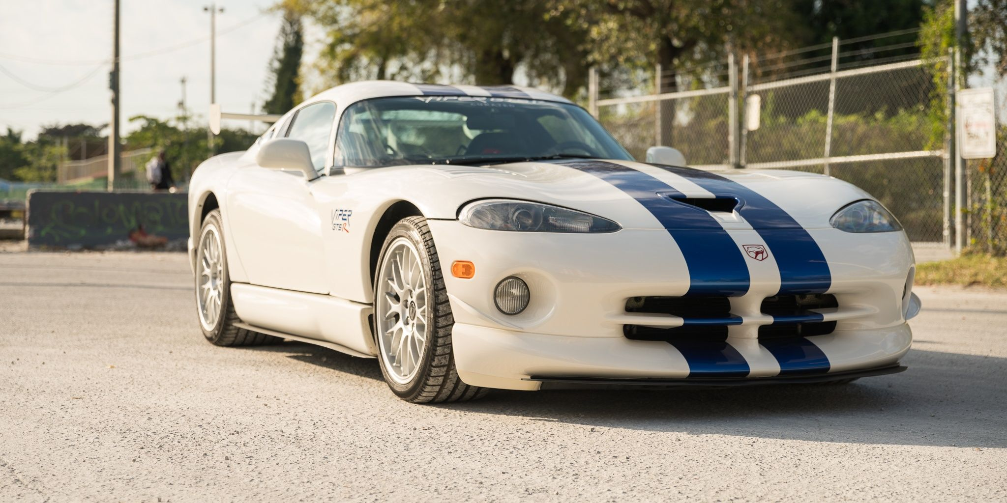 10 Greatest Dodge Vipers That Make Us Yearn For Its Comeback