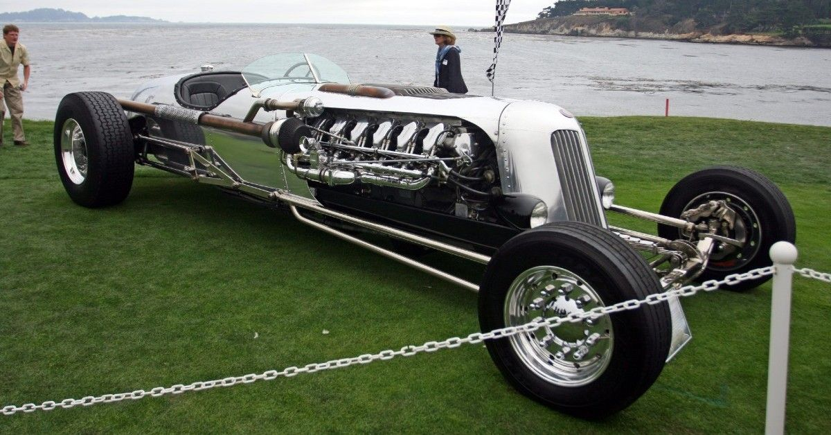 A Detailed Look At Jay Leno's Tank Car | HotCars