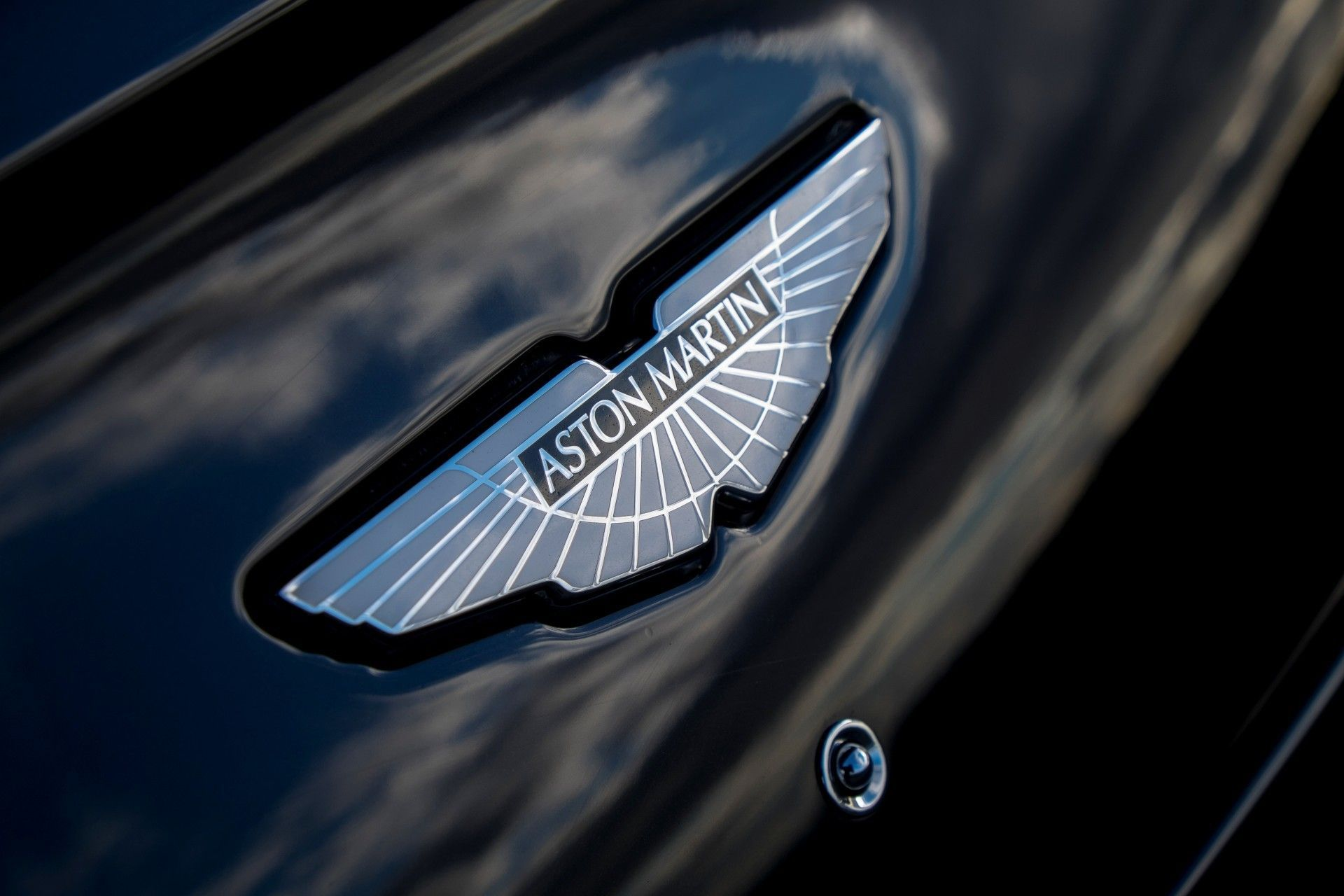 10 Most Iconic Automotive Logos And The Fascinating Stories Behind Them